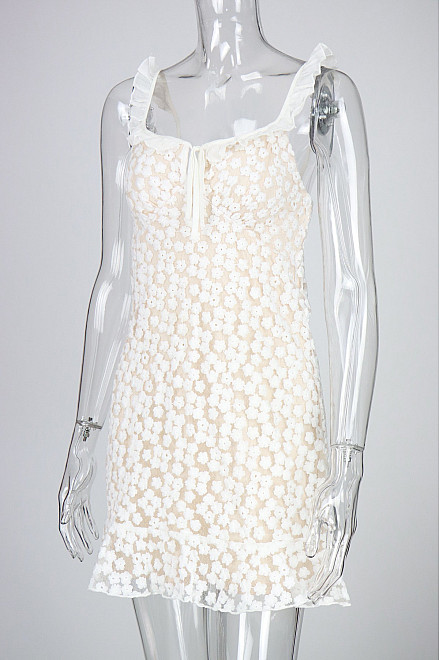 KENDRA EMBROIDERY FLORAL DRESS